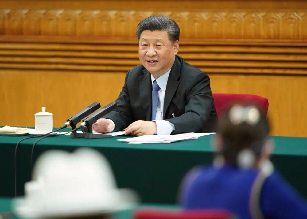 5月22日,习近平总书记参加十三届全国人大三次会议内蒙古代表团的审议。新华社记者 鞠鹏 摄