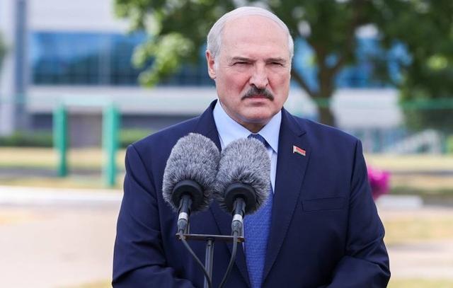 """卢卡申科称""""外国势力""""在白俄罗斯边境集结,北约:未出兵"""