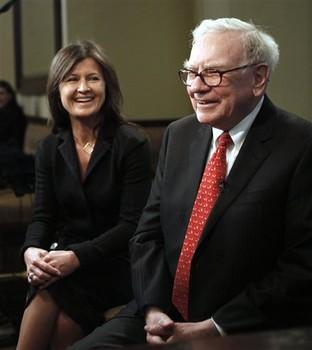Berkshire Hathaway Chairman and CEO Warren Buffett, right, and Salida Capital CEO Courtenay Wolfe are interviewed before lunch Monday, Feb. 22, 2010, in New York. Salida Capital, a Canadian investment firm, paid $1.68 million last year to win lunch with the billionaire investor, whose annual charity lunch auctions benefit the Glide Foundation, which provides social services to San Francisco's homeless and poor.