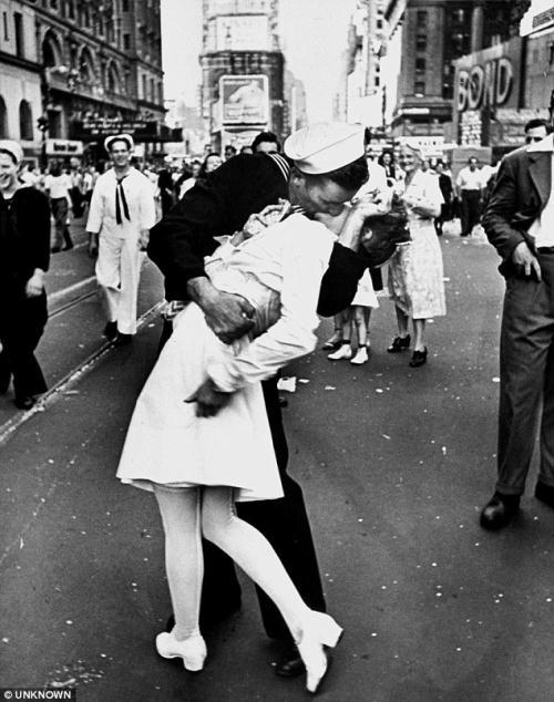Edith Shain was captured in a passionate clinch with a sailor on V-J day by photographer Alfred Eisenstaedt in 1945. The nurse died on Tuesday aged 91