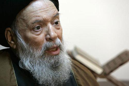 Lebanon's top Shi'ite cleric Sayyed Mohammad Hussein Fadlallah speaks during an interview with Reuters in al-Hasanein mosque in Beirut January 10, 2007. (Xinhua/Reuters File Photo)