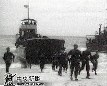 我到威海卫去看一看刘公岛,没有船,跟渔民借条船,那个渔民就讲,你这个