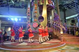 """奇遇圣诞节""""糖果王国""""里的奇妙蓝天城"""