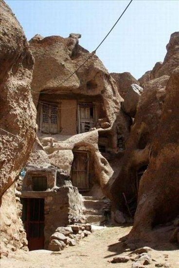 القرية القديمة الساحرة في إيران