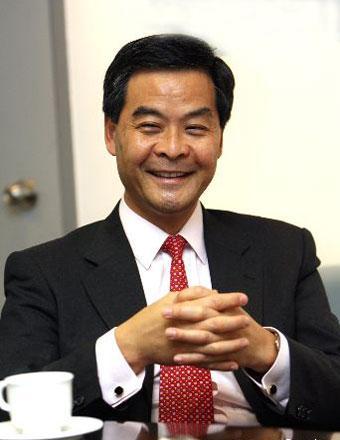 [视频]香港特区行政长官选举:梁振英当选第四任行政长官人选