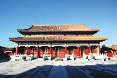 大修中的慈宁宫正殿。故宫供图