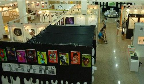 展览共汇集173位艺术家的佳作,展现扎根生活的文艺理念