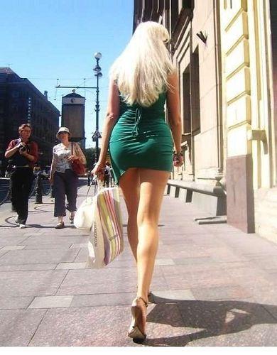 向来都是美女的天堂 特别是脚踩高跟鞋的时髦金发