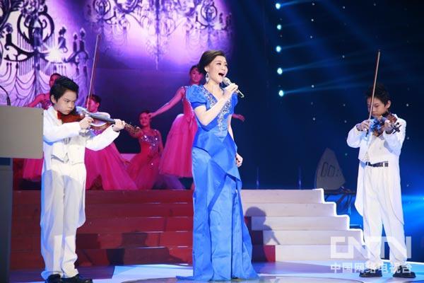 星光大道2012年度季军雪儿演唱《春天的芭蕾》
