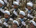 ايران تقيم الاستعراض العسكري في عيد الجيش