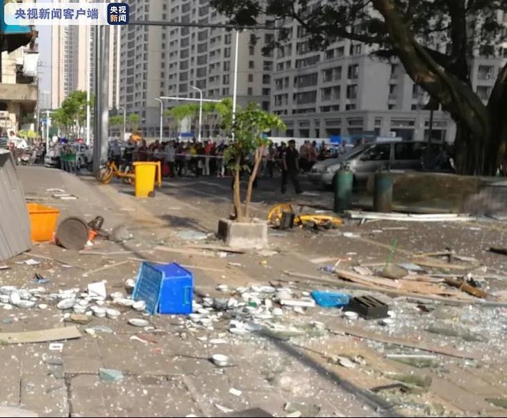 福建福州一店面疑似发生煤气罐泄漏爆炸