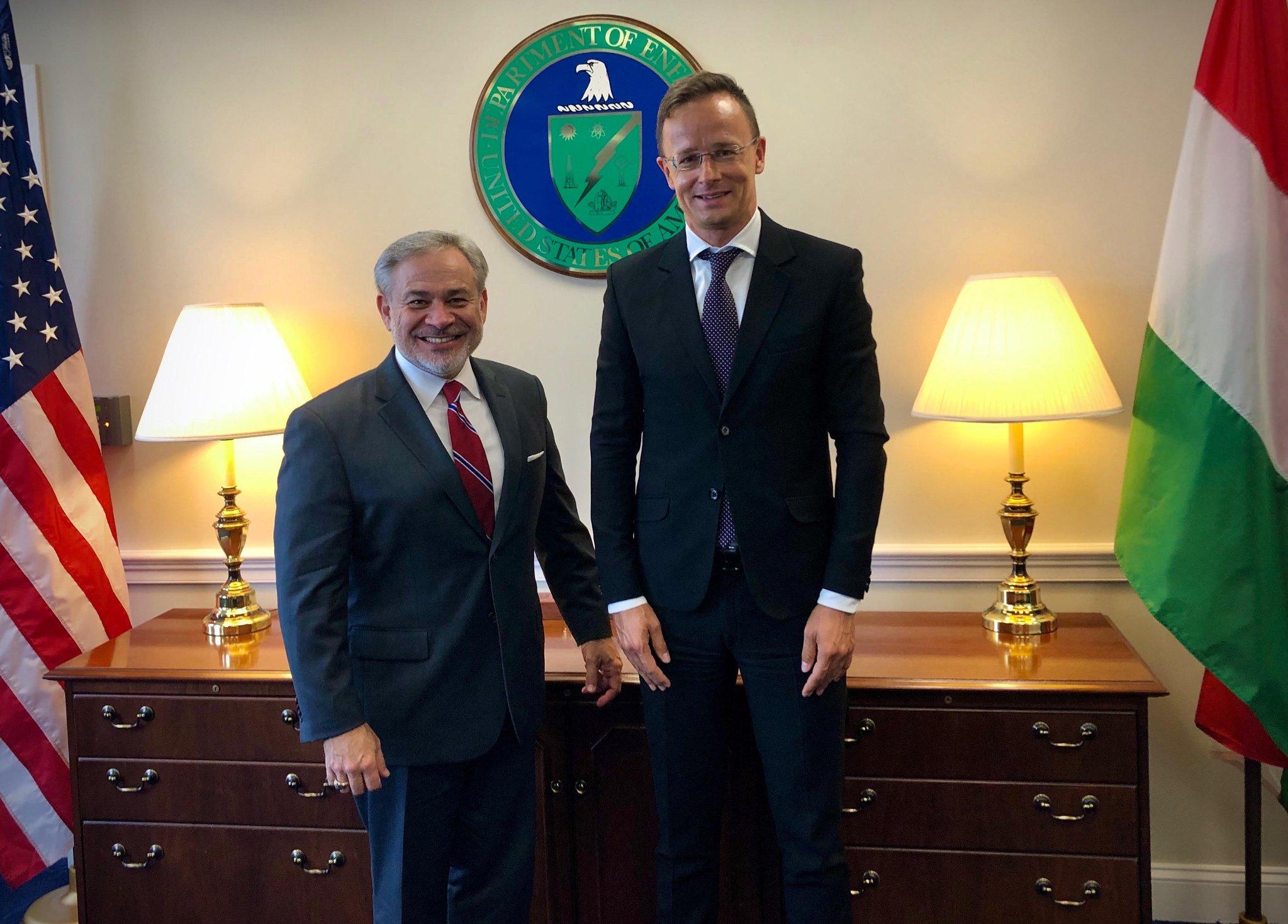 匈牙利将购买美国天然气 每年达2.5亿立方米