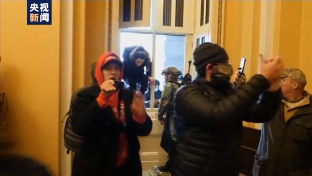 """美式""""双标""""无处不在 联邦调查局用人脸识别抓捕冲击国会抗议者"""