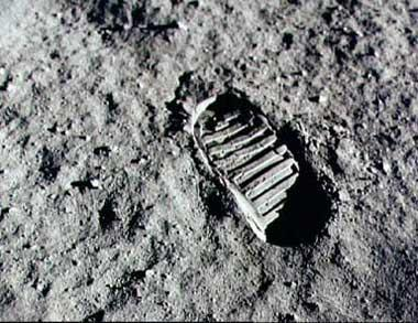 neil armstrong first step - photo #23