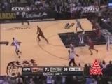 <a href=http://sports.cntv.cn/2014/06/10/VIDE1402406286557971.shtml target=_blank>[NBA最前线]帕克诡异上篮领衔总决赛五佳球</a>