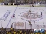 [NHL]蓝衣进攻中失误 企鹅反击中2打1轻松破门