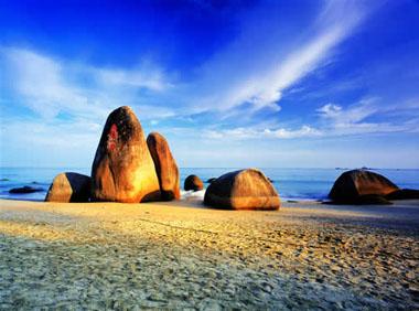 Le site Tianyahaijiao (« au bout du monde et aux confins de la mer ») à Sanya