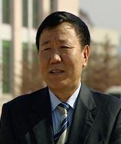 <b>朱新礼 汇源集团董事长</b><br><br><br><p>  从接手沂蒙山区一家濒临倒闭的罐头厂开始,经过18年努力,建成中国最大的果汁公司。</p>