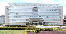 "&nbsp;&nbsp;&nbsp;&nbsp;&nbsp;&nbsp;&nbsp;&nbsp;<span class=fs_13 style=line-height:17px;>1971年,公司前身云南白药厂正式成立,白药开始了专业化生产。公司于1993年在深交所挂牌上市,成为云南省第一家A股上市公司。经营涉及化学原料药、化学药制剂、中成药、中药材、生物制品等。<br>&nbsp;&nbsp;&nbsp;&nbsp;&nbsp;&nbsp;&nbsp;&nbsp;<strong>云南白药</strong> 是云南著名的中成药,由云南民间医生曲焕章于1902年研制成功。对跌打损伤、创伤出血有很好的疗效。云南白药由名贵药材制成,具有化瘀止血、活血止痛、解毒消肿之功效。问世百年来,云南白药以其独特、神奇的功效被誉为""中华瑰宝,伤科圣药"",也由此成名于世、蜚声海外。<br>&nbsp;&nbsp;&nbsp;&nbsp;&nbsp;&nbsp;&nbsp;&nbsp;从二十世纪初行销于世以来,誉满中外,历久不衰,被誉为伤科圣药。近几年,又在云南白药的基础上研制出了酊、膏等系列产品。<br>&nbsp;&nbsp;&nbsp;&nbsp;&nbsp;&nbsp;&nbsp;&nbsp;云南白药创制至今,已有近百年历史,凭借神奇的疗效,畅销海内外,其处方现今仍然是中国政府经济知识产权领域的最高机密。<br><br><strong>所属地区:</strong>云南<br><strong>上市时间:</strong>1993-12-15<br><strong>总股本:</strong>6.94 亿<br><strong>流通A股:</strong>6.29 亿股<br><strong>所属行业:</strong>医药制造业 <br><strong>ICB行业:</strong>医药与生物科技<br> </span>"