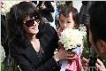 王菲童年照曝光 母女三人比萌