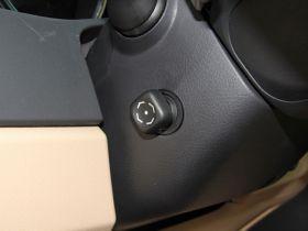 丰田-锐志中控方向盘图片