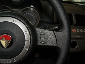 莲花汽车-莲花L3中控方向盘图片