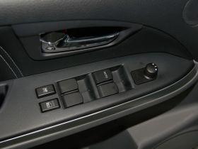 铃木-天语 SX4车厢内饰图片