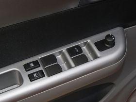 铃木-雨燕车厢内饰图片