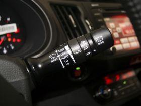 起亚-智跑中控方向盘图片