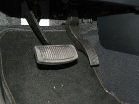起亚-霸锐车厢内饰图片