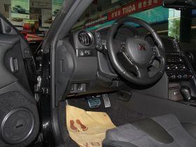 日产-日产GT-R中控方向盘图片