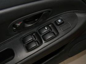 三菱-蓝瑟车厢内饰图片