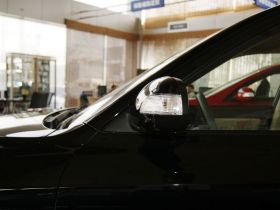 现代-伊兰特车身外观图片
