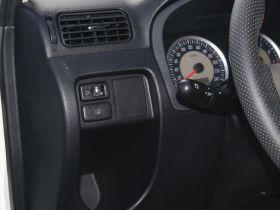 一汽-森雅S80车厢内饰图片