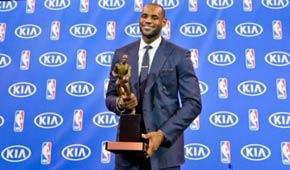 <center>詹姆斯稳获MVP<BR>5年内第4度加冕</center>
