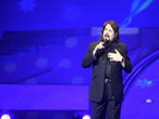 贝蒂•希金斯与小歌唱家豆豆同唱《卡萨布兰卡》