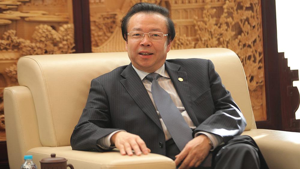 赖小民与其小老婆_金融者说:中国华融资产管理股份有限公司董事长赖小民说\