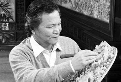 """在东阳木雕传承人,""""中国工艺美术大师""""陆光正的手"""