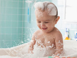 嗨到停不下来!熊孩子洗澡洗出新境界
