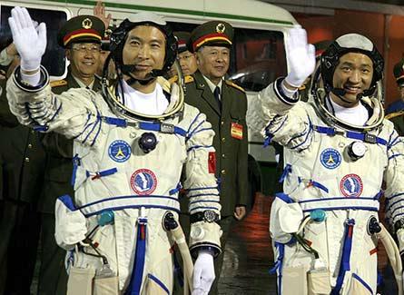 火箭发射的背后有着怎样一群航天人?