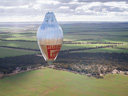 探险家独自乘热气球11天环游地球
