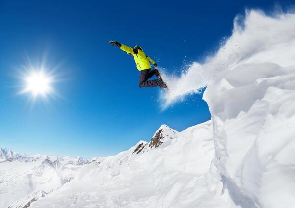 雪季到了!牛人们这样滑雪