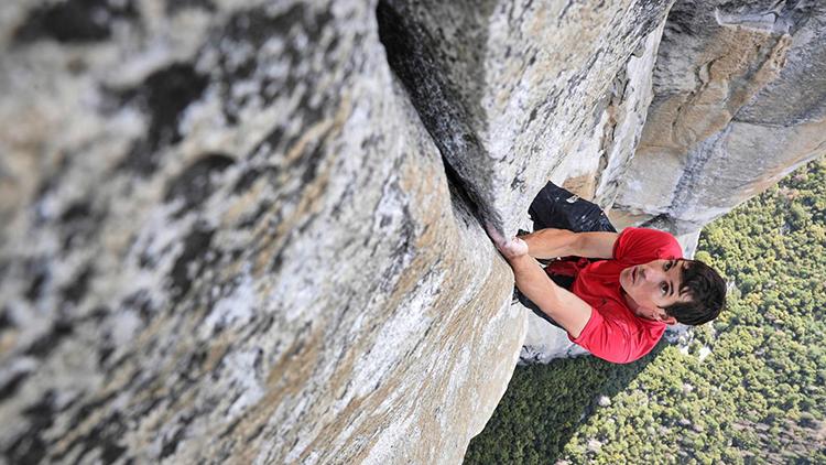 Estadounidense logra escalar pared de granito de 914 metros de altura
