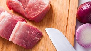 """市场监管总局提示:购买猪肉要查看""""两证两章"""""""