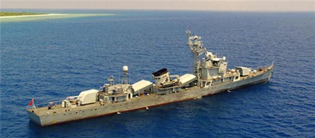 我军警民联合编队首次巡逻西沙岛礁