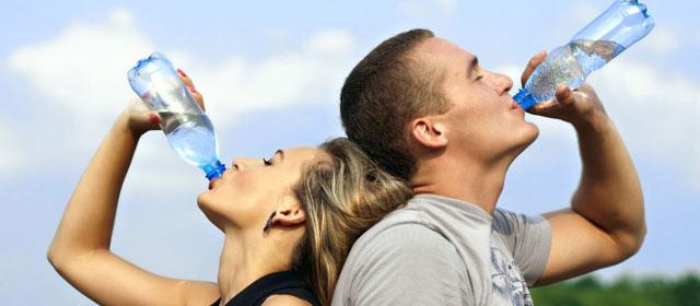 预防中暑 勿等口渴才饮水