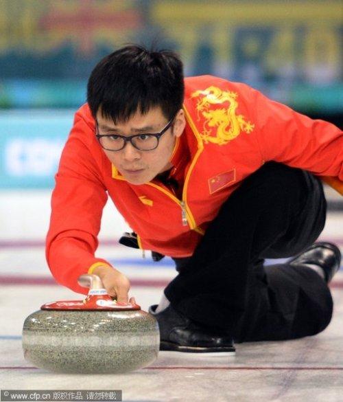 [高清组图]男子冰壶中国胜英国 将战加拿大
