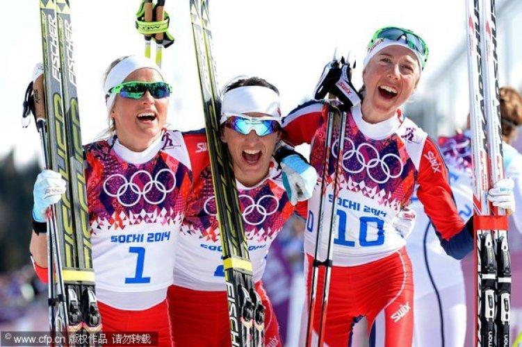 [高清组图]越野滑雪女子30公里 比约根获第三冠