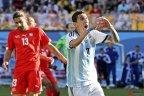 [高清组图]梅西助攻迪马利亚 阿根廷加时险胜瑞士