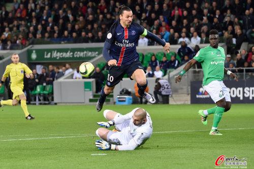 法甲-伊布2球天使送诡异助攻 巴黎2-0圣埃蒂安